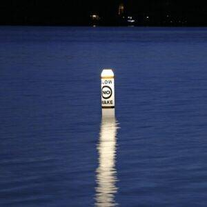 illuminating pencil buoys